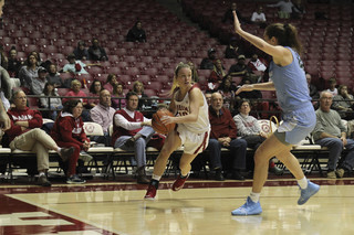 Alabama WBB Tops the Hoos in Game 1 Under the Sun