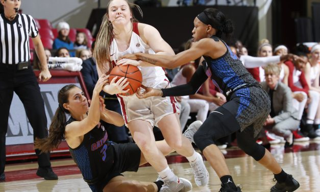 Alabama WBB Drops First SEC Road Matchup